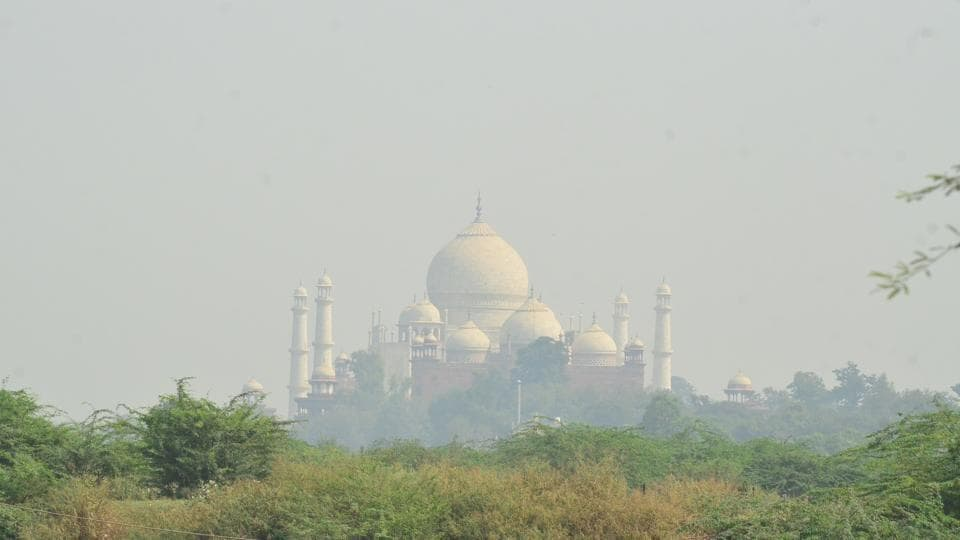The Taj Mahal visible faintly in the poor air quality of Agra.