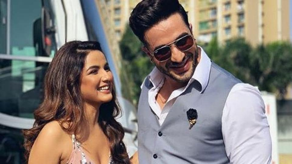 Aly Goni and Jasmin Bhasin are known to be good friends.