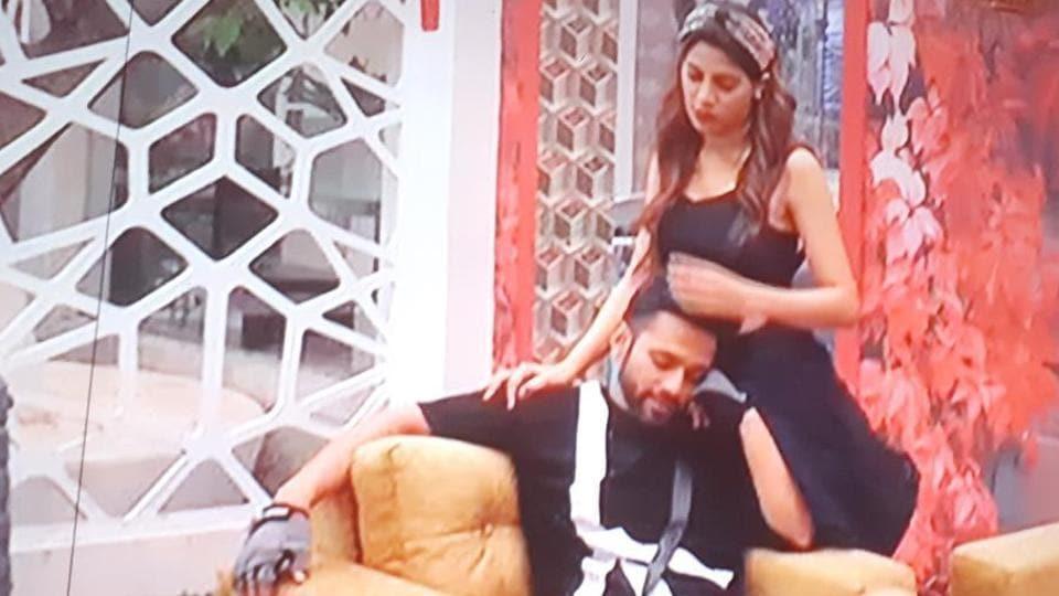 Bigg Boss 14 written update day 25: Rahul Vaidya was seen crying as he talked with Nikki Tamboli.
