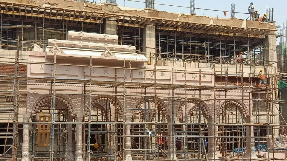 The main complex of the Kashi Vishwanath Temple under construction.
