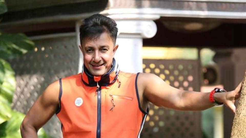 Singer Sukhwinder Singh doesn't believe in the concept of paying to get fake views on music videos.