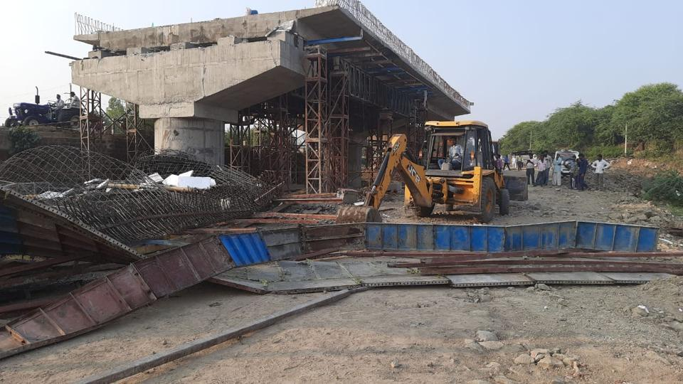 A 15-metre part of the bridge collapsed when a stone slab was being fixed in Ujjain.