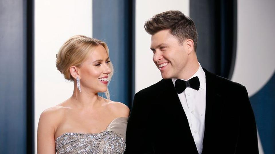 Scarlett Johansson and Colin Jost attend the Vanity Fair Oscar party in Beverly Hills during the 92nd Academy Awards.