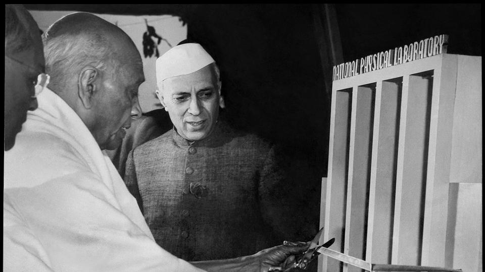 Jawaharlal Nehru's fondness for Sheikh Abdullah, on the one hand, and Maharaja Hari Singh's ambition to remain independent, on the other, made Patel's task difficult.