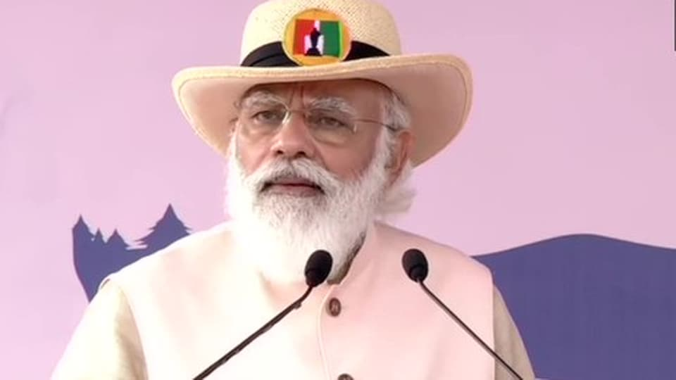 PM Modi said 130 crore Indians together honoured the Covid-19 warriors in their fight against the pandemic