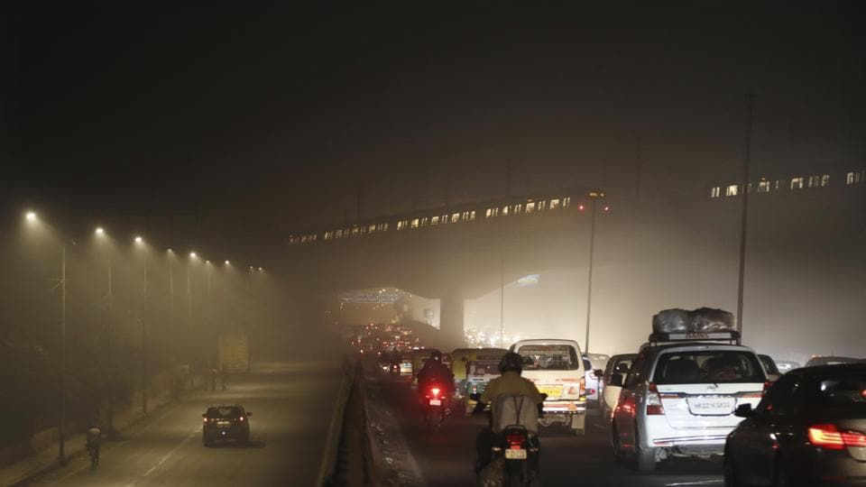 Winter is here: Delhi records season's lowest maximum temperature - Hindustan Times