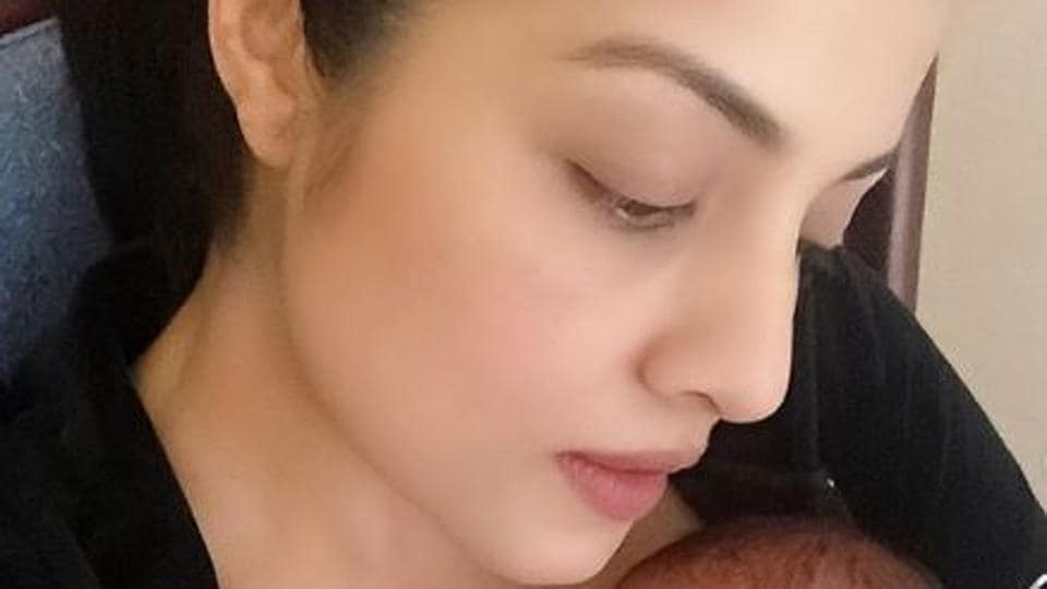 Celina Jaitly pens post about 'immense heartache' of her baby's death, says 'keep your love and blessings coming' – bollywood