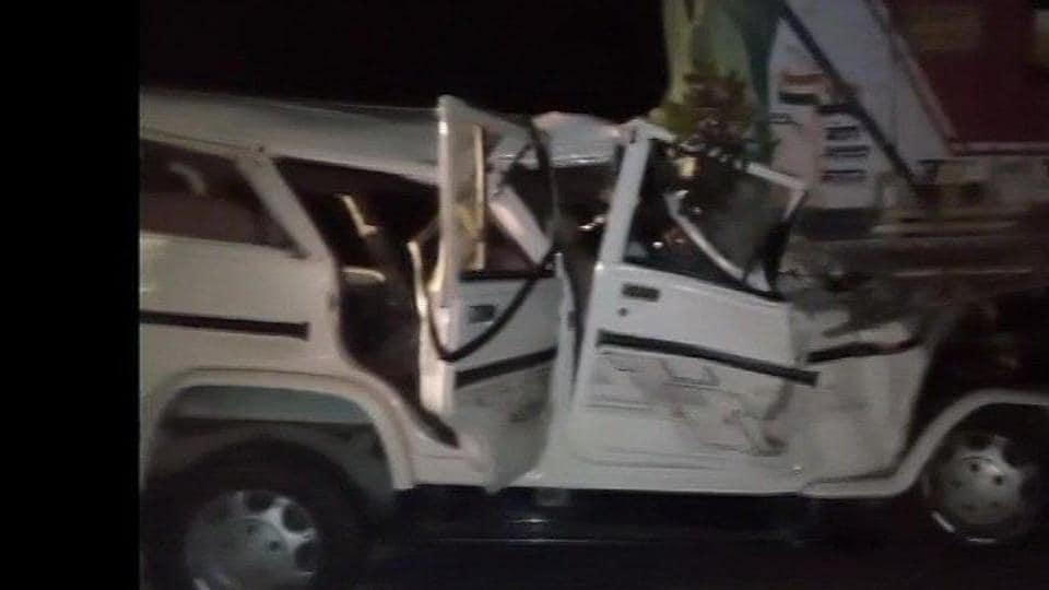 At least 14 people died in a road accident in Uttar Pradesh's Pratapgarh on Thursday night.