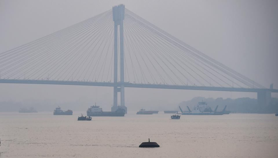 A view of the second Hooghly Bridge in hazy weather conditions in Kolkata on November 3.