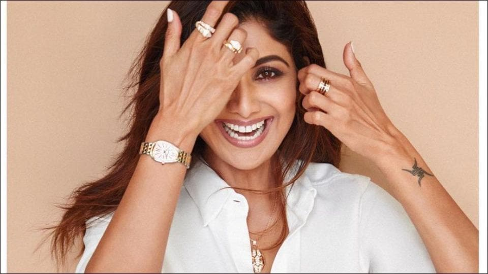 Monday motivation: Here's how Shilpa Shetty Kundra nailed Yoga's headstand despite suffering cervical spondylosis