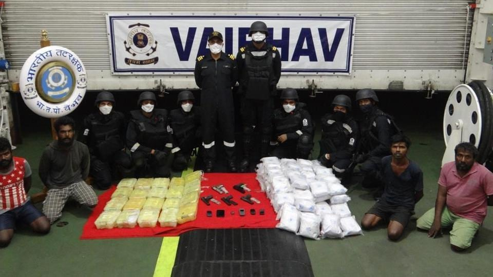The Coast Guard has seized drugs including 100kg of heroin from a Sri Lankan boat south of Thoothukudi during an operation.