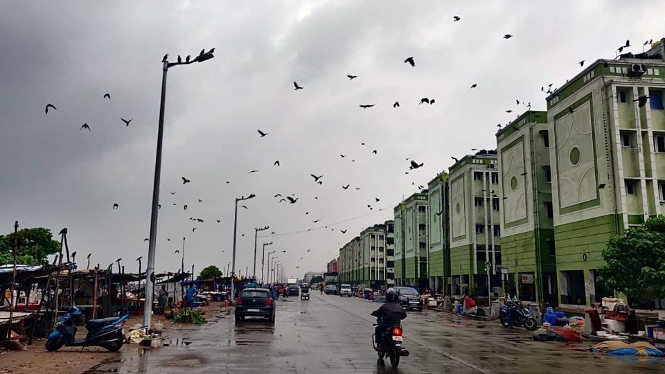Nivar to cross Tamil Nadu coast as 'very severe cyclonic storm' tonight