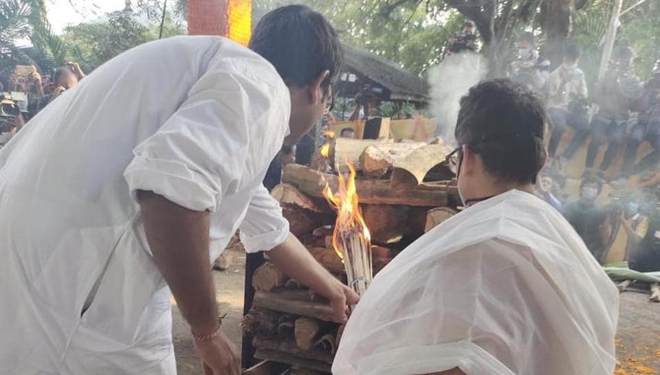 Former Assam CM Tarun Gogoi's son seeks blessings to fulfil his father's last wish