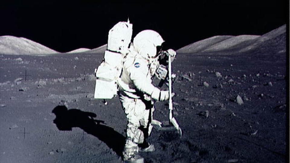 NASA to pay $1 to a company for collecting moon rocks from lunar south pole
