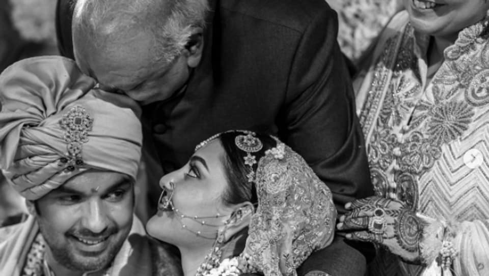 Kajal Aggarwal needs her dad on his birthday, shares unseen pics from her marriage ceremony with Gautam Kitchlu, see right here – bollywood
