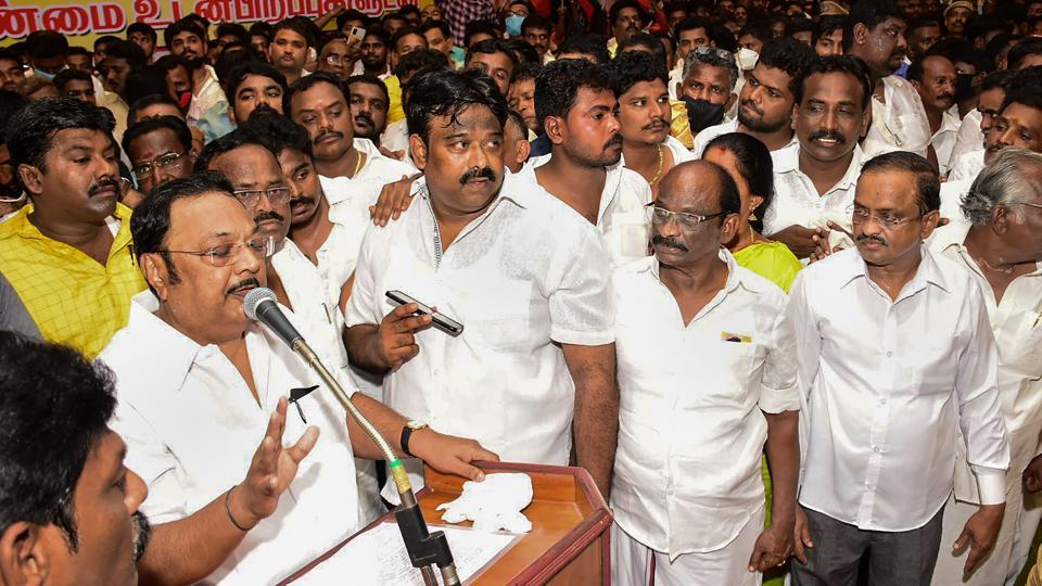 My supporters won't let you become CM': Alagiri warns sibling and DMK chief  Stalin | Hindustan Times