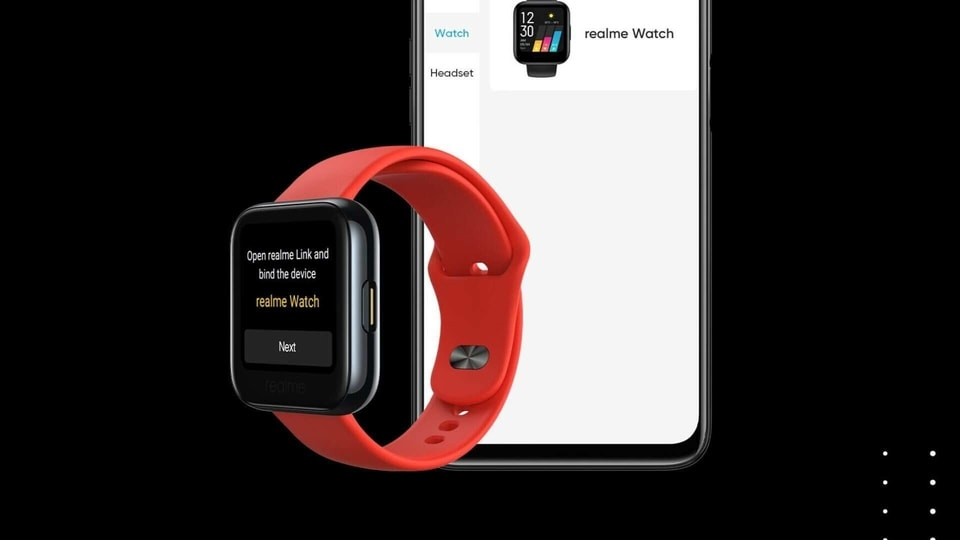 Realme Watch comes with a black coloured strap by default but more coloured straps will go on sale soon.