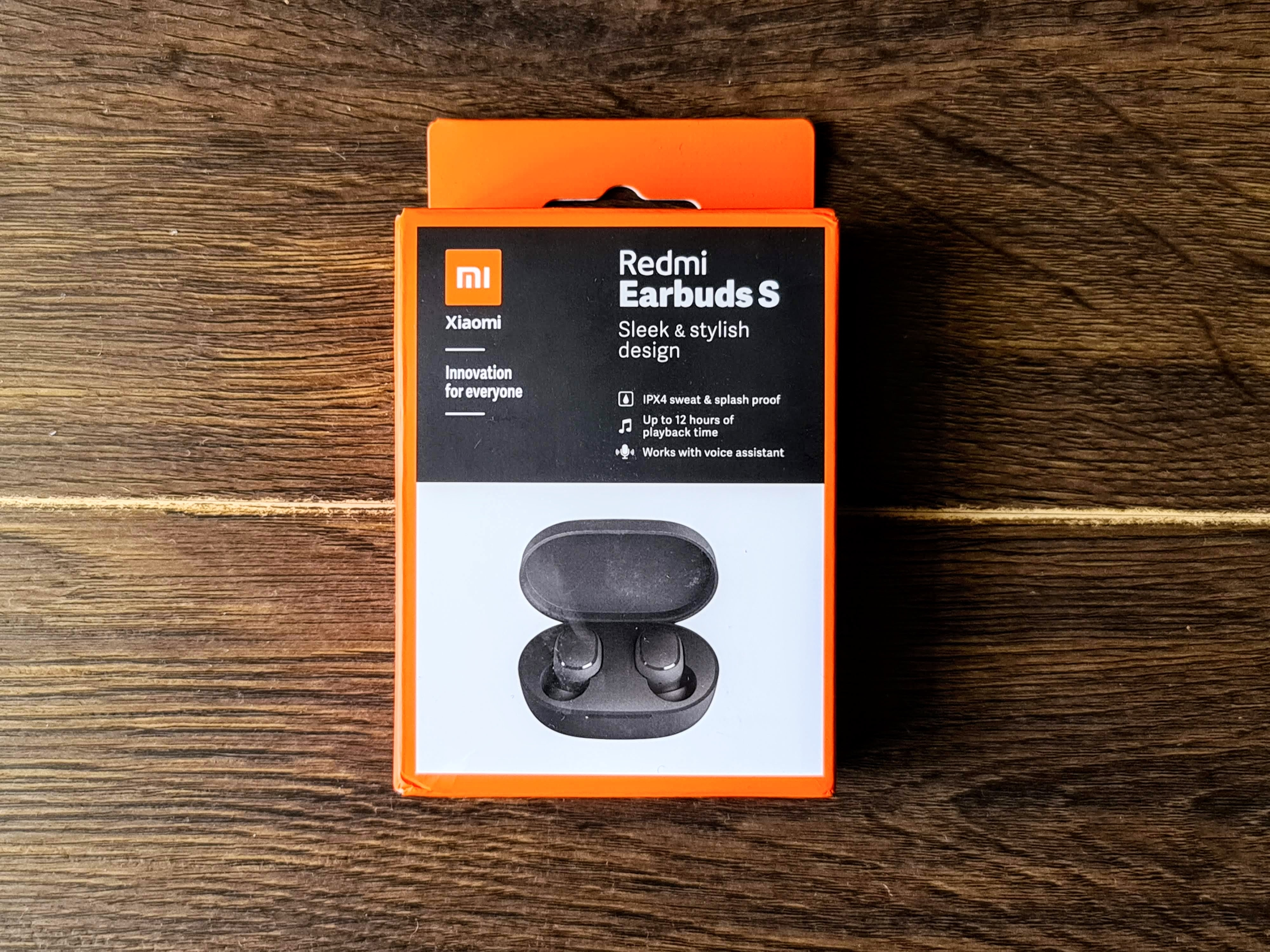 This is the retail box of Redmi Earbuds S.