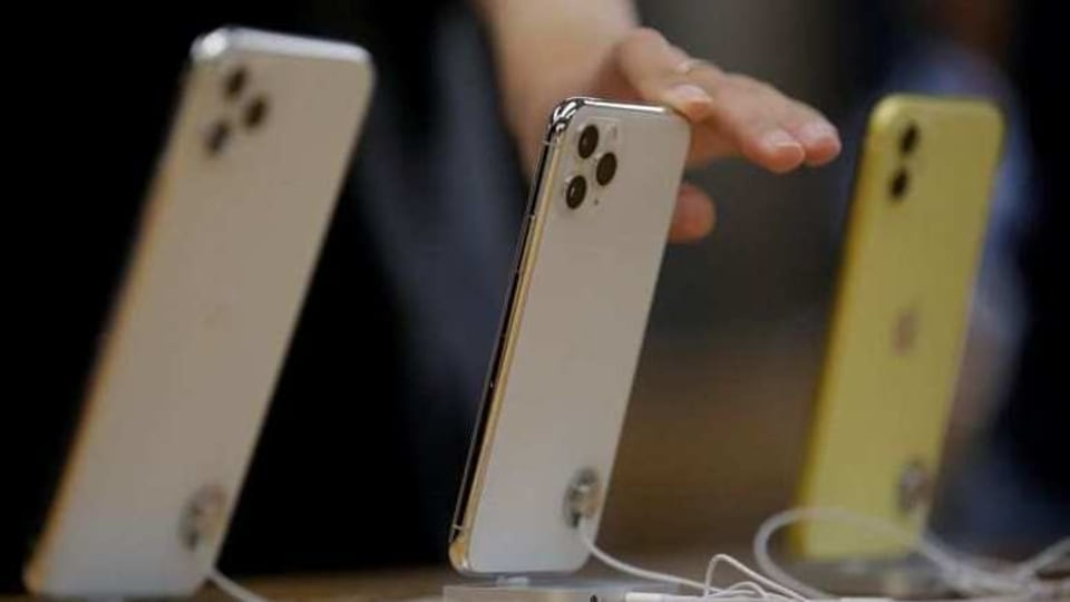 Coronavirus Caused Smartphone Sales to Drop 20 Percent in First Quarter
