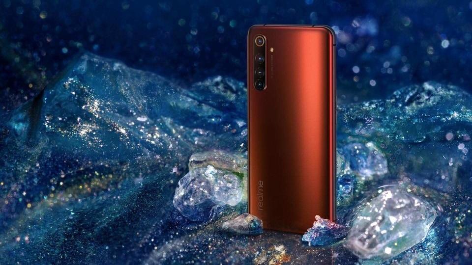Realme X50 Pro 5G houses a 4200mAh dual-cell battery.