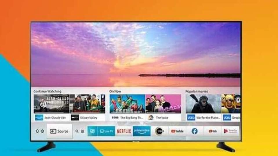 Boasting of 1 920x1080 full HD resolution and 60 hertz refresh rate, Samsung's 40-inch smart TV is 'smart' in real sense.