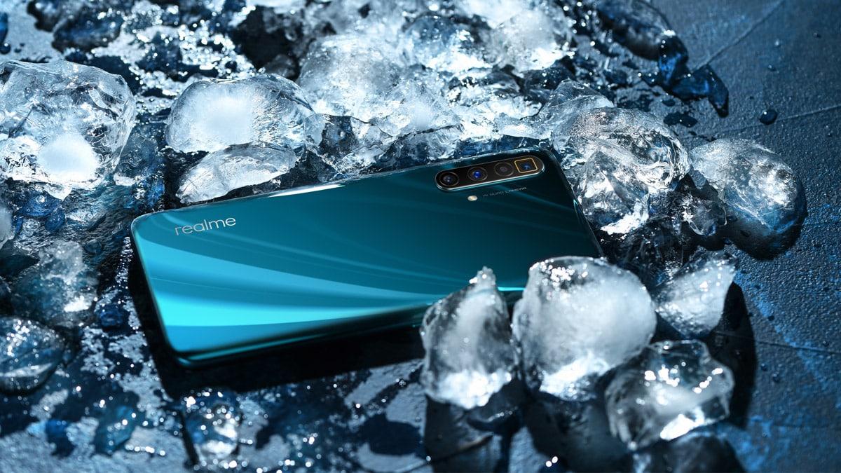 The Realme X3 SuperZoom comes in two colours - Arctic White and Glacier Blue.