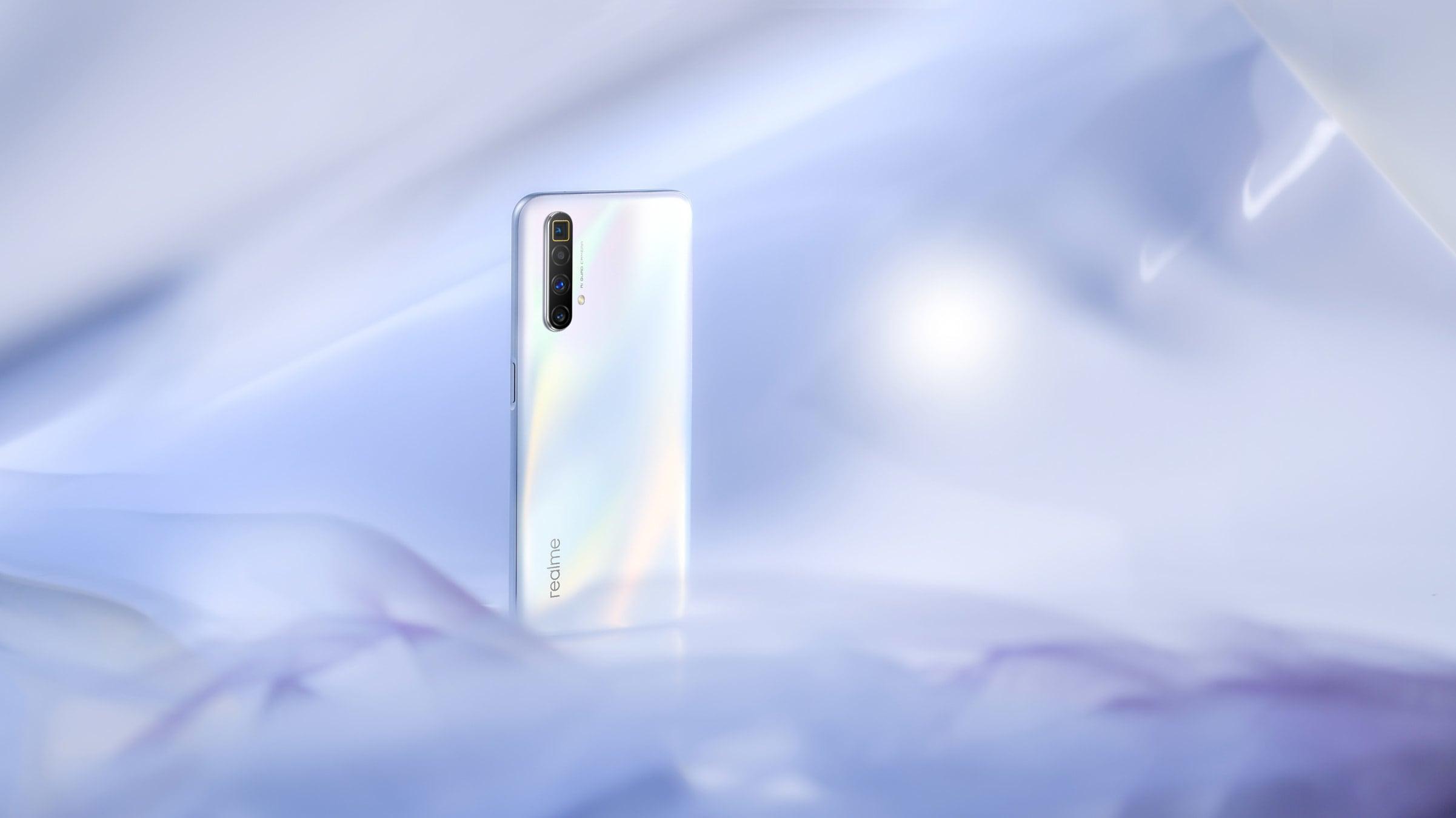The Arctic White Realme X2 SuperZoom.