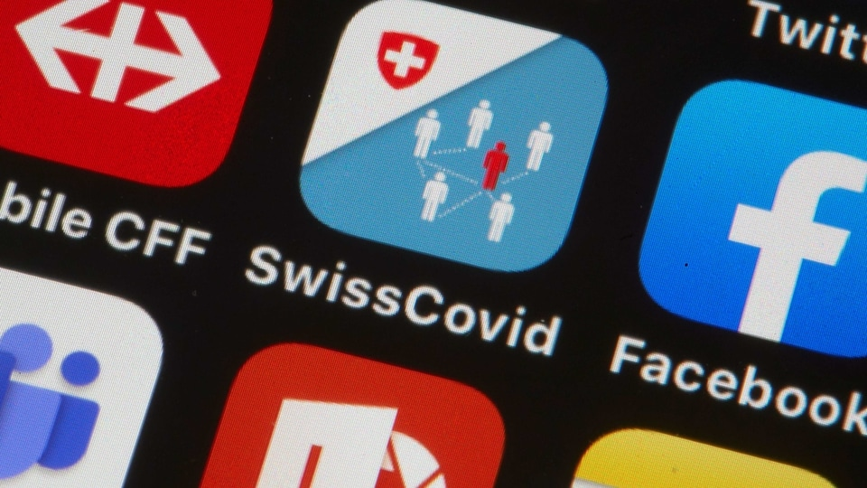 The Swisscovid contact tracing application of Switzerland, using Bluetooth and a design called Decentralised Privacy-Preserving Proximity Tracing (DP-3T) to ease the lockdown caused by the coronavirus disease (COVID-19) outbreak is seen in this illustration taken June 24, 2020.