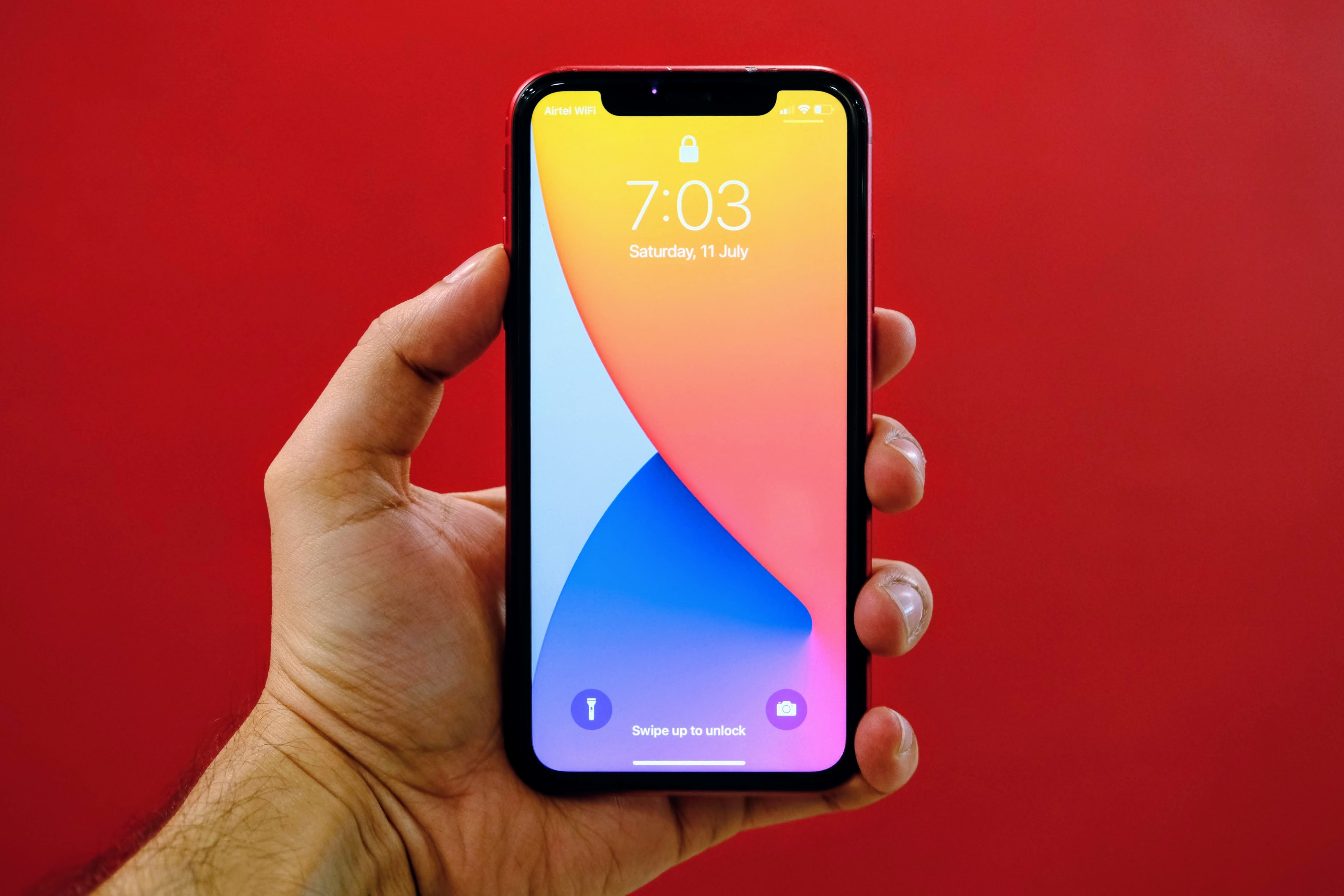 Apple iOS 14: Three new wallpapers with Light and Dark mode looks.