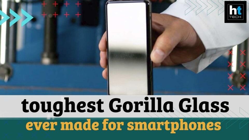 Gorilla Glass Victus.