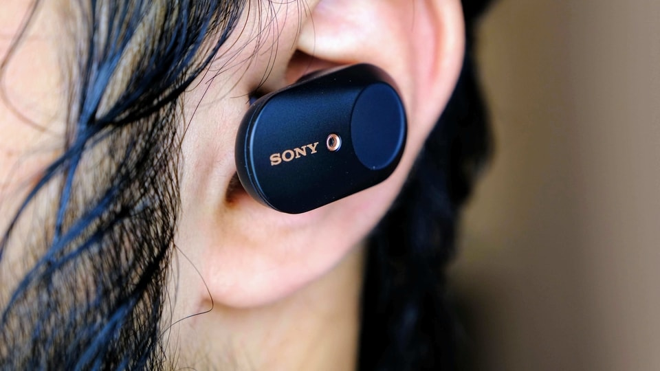 Sony WF-1000XM3 earbuds.