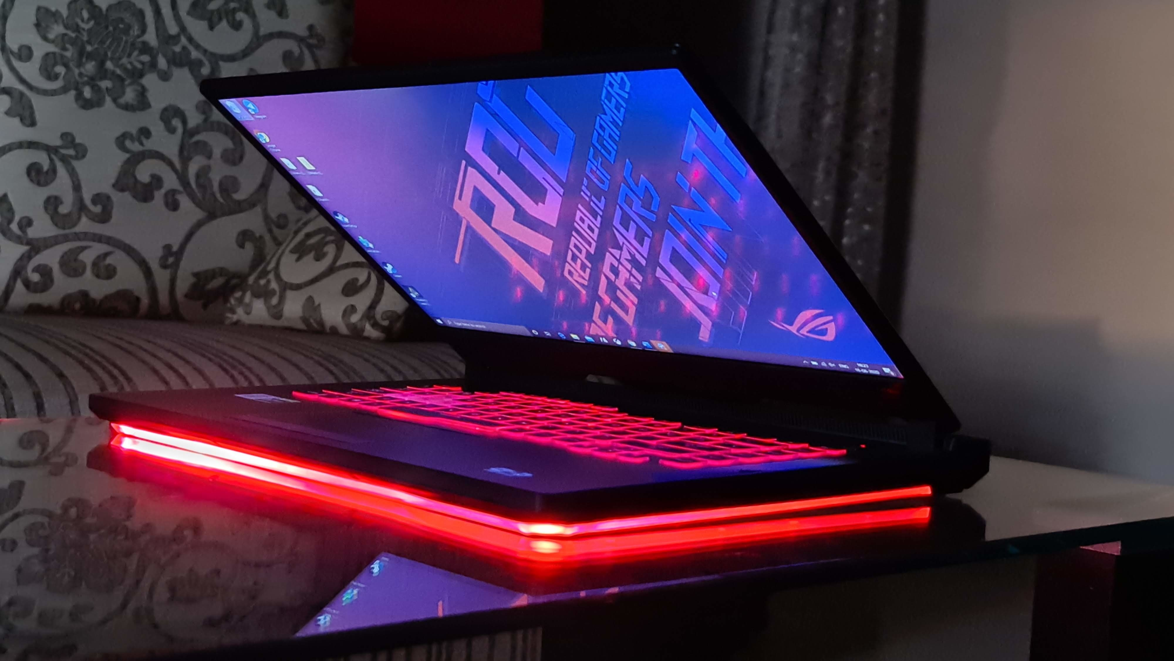 The ROG Strix G512LI screen also has 100% RGB colour gamut.
