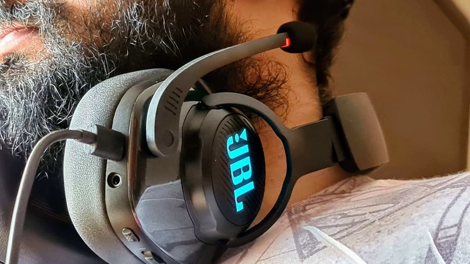 JBL Quantum 400 gaming headphone review