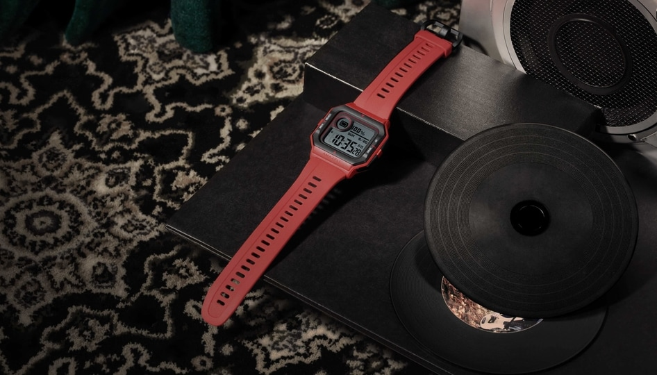 The Amazfit Neo features a retro-styled, always-on display and is equipped with Huami-PAI which is the company's in-house indicator of personal activity.