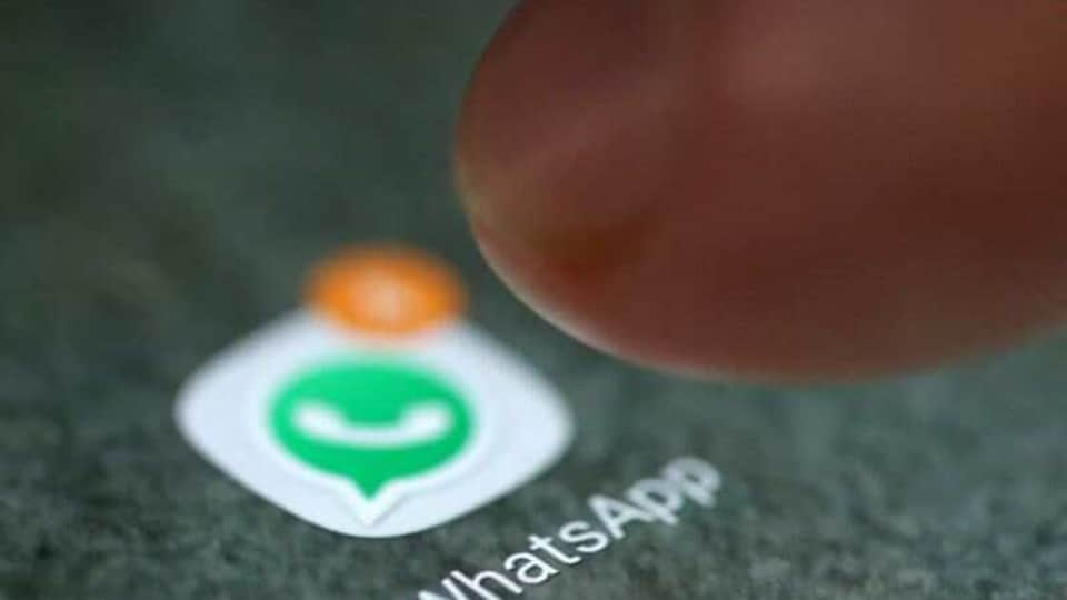 WhatsApp will soon let you set different wallpapers for different chats