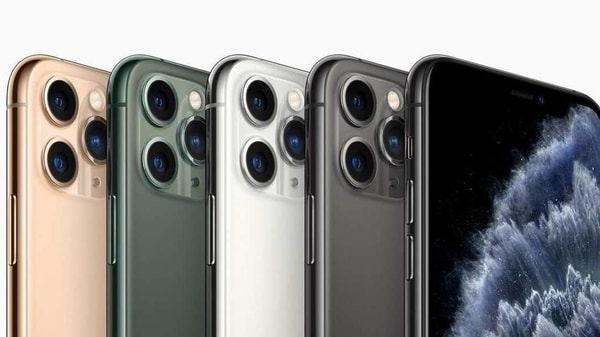 The best smartphones in the market now are those what bring you the top features over cameras, screens, battery life etc.