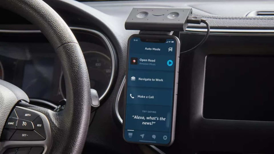 The Auto Mode features four screens essentially - Navigation, Communicate, Play and Home.