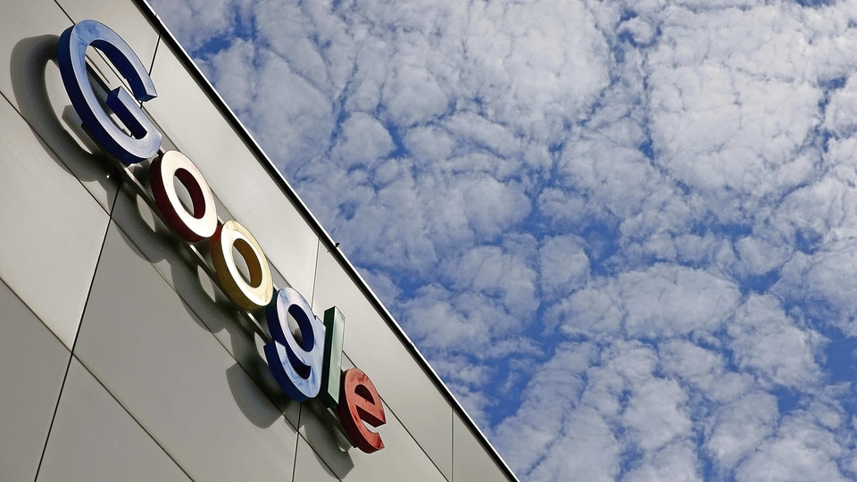 Unhappy with Google's monopoly and 30% Play Store fees, more than 120 Indian startups are planning to form an indigenous app developers' association.