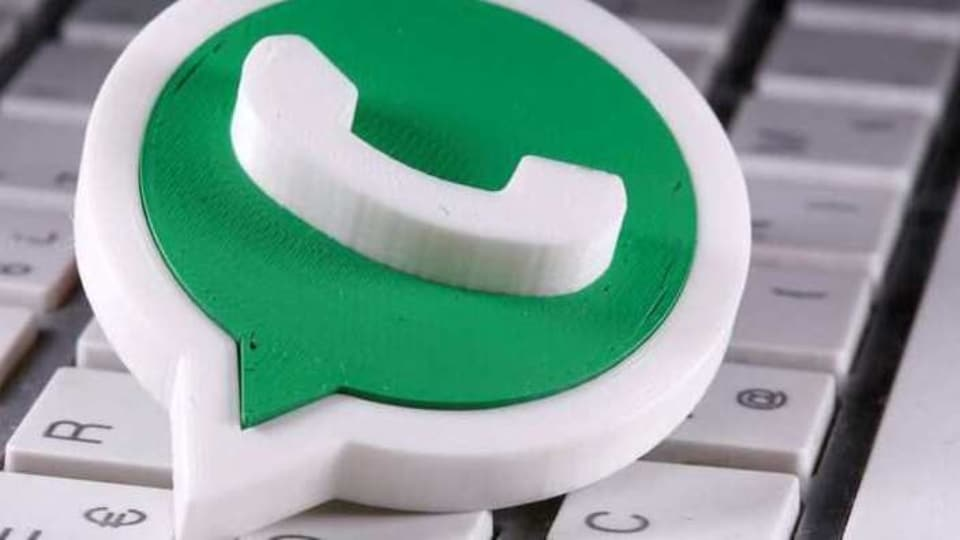 You can easily download other people's WhatsApp status