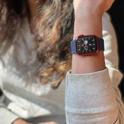 The Apple Watch 6 comes with a new processor, the S6 SiP (system-in-package), which is 20% faster than the predecessor.