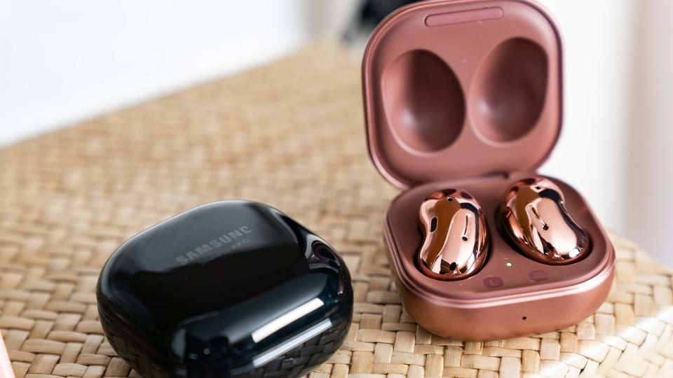 Samsung Galaxy Buds Live wireless earbuds.
