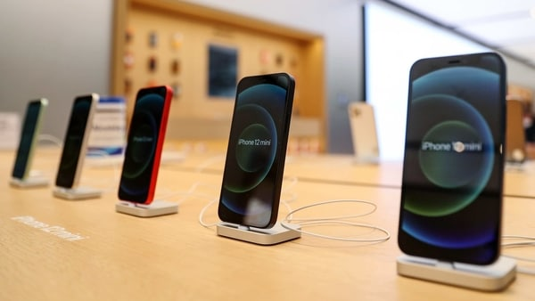 Apple iPhone 12 is the best selling 5G smartphone of 2020 - HT Tech