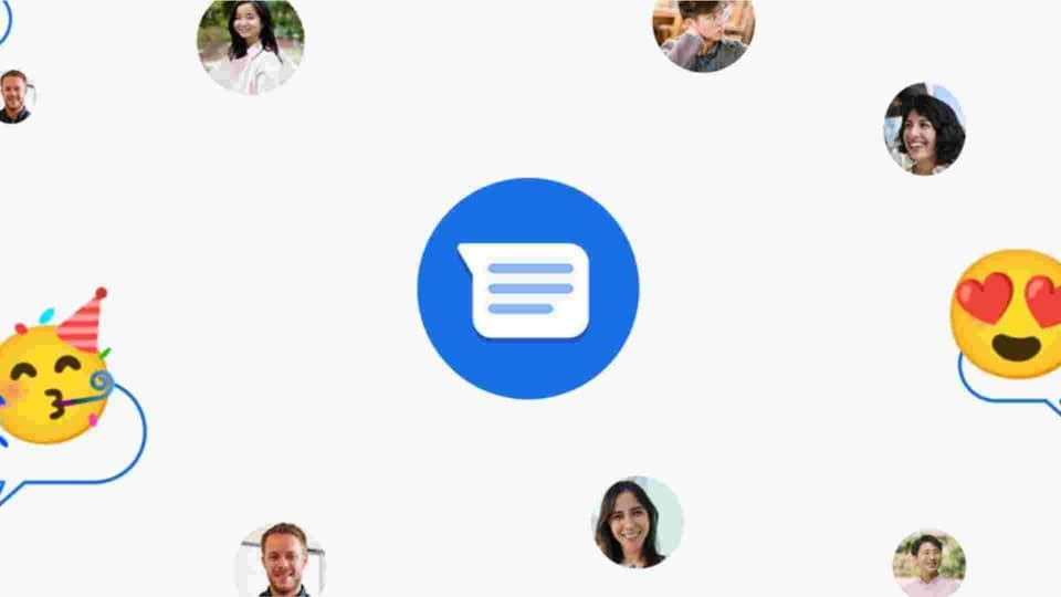 """When you type a message suggesting a time, like """"let's meet at 10 PM"""" you'll see a little suggestion pop up asking you to create an event."""