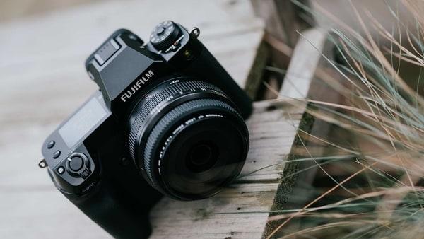 Fujifilm launches GFX 100S mirrorless camera: Price and specs - HT Tech