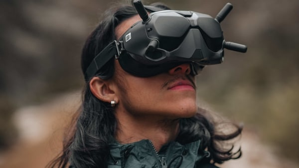Apple mixed reality headset may arrive in 2022, contact lenses after 2030: Report - HT Tech