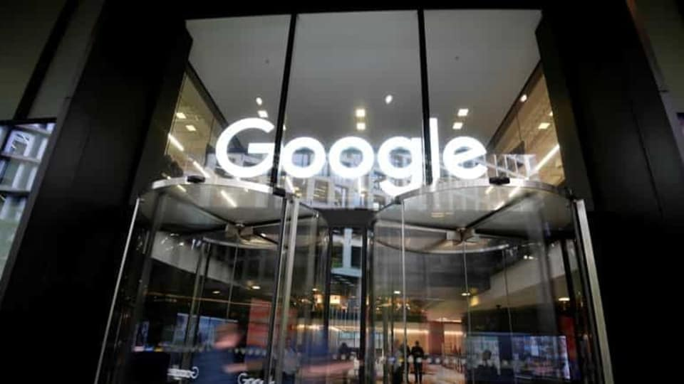 Google's agreements were signed with a number of Italian publishers, including RCS Mediagroup, which publishes daily Corriere della Sera as well as popular sports daily Gazzetta dello Sport, the publisher of financial daily Il Sole 24 ore and Caltagirone editore, which owns Rome-based paper Il Messaggero.