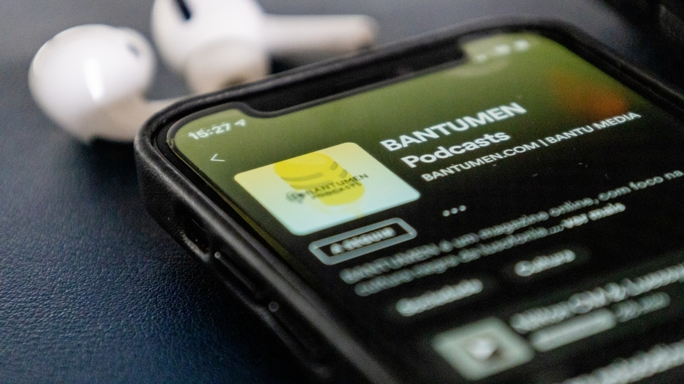 Spotify has launched paid podcasts on its platform.