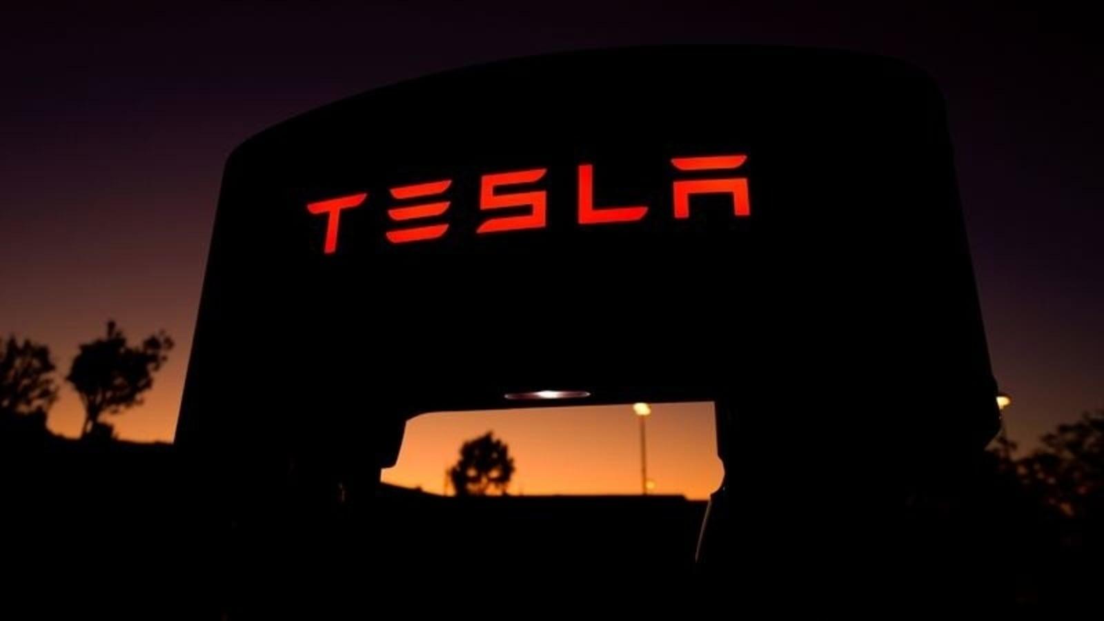 Crash victim used TikTok to praise Tesla's 'full self-driving' capabilities
