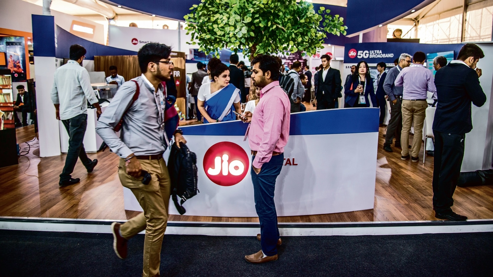 Reliance Jio will launch a cheap Diwali device this year