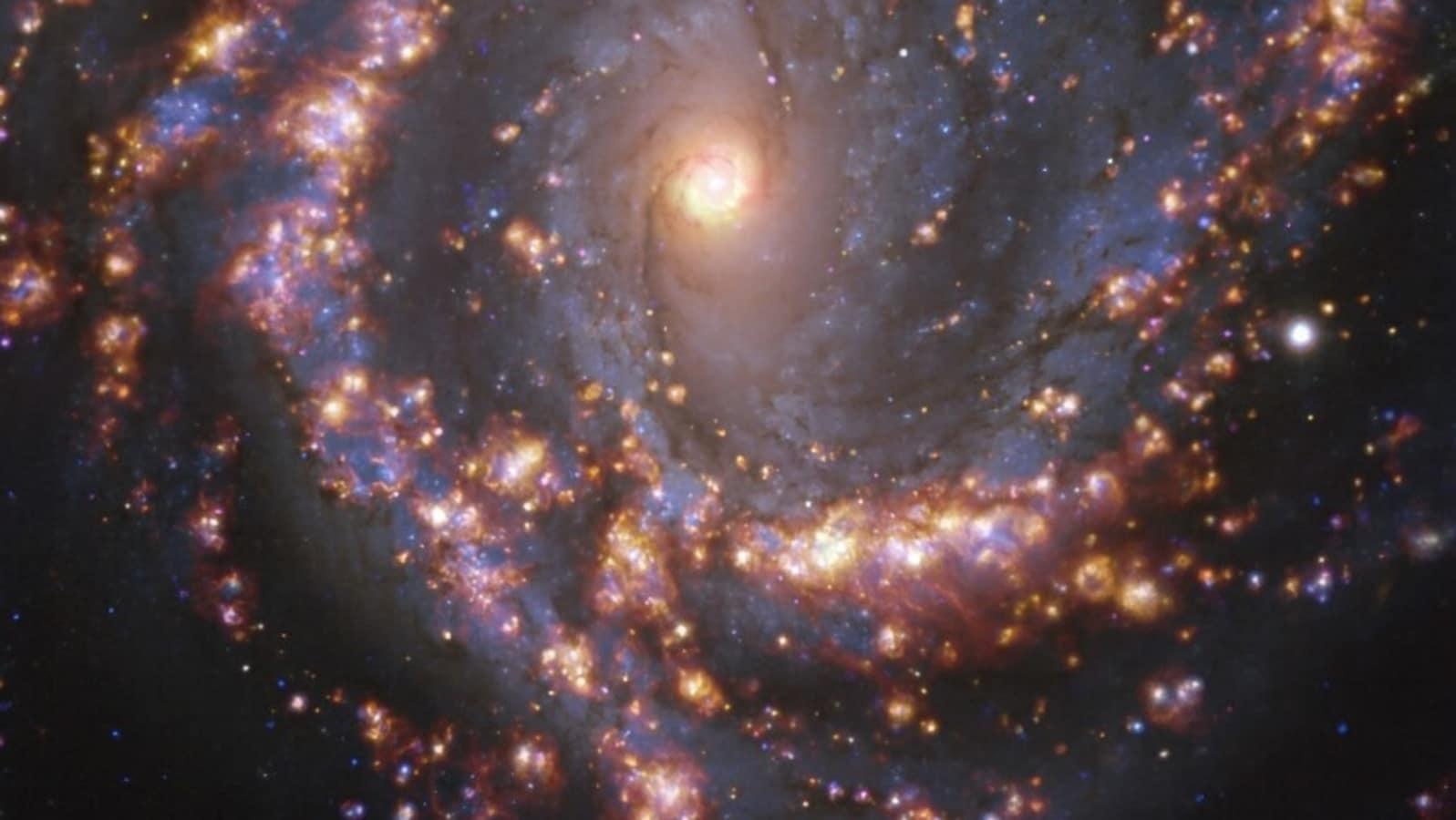 खगोल विज्ञान के इतिहास में पहली बार, 9 तारे जैसी वस्तुएं दिखाई दीं और गायब  हो गईं! वैज्ञानिक चकित; विदेशी लिंक? - Dekhsunke